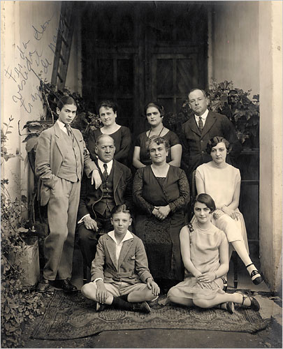 Frida family photos 1924